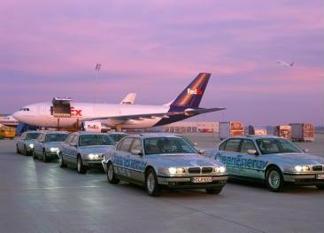 اسـاطيـــل السيــــارات BMW_750hL.jpg
