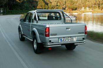 http://www.autointell.com/News-2004/June-2004/June-2004-5/mazda-b2500turbo-rear.jpeg