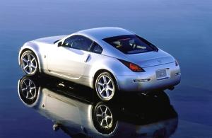Quelle est la plus belle voiture du monde ? Nissan-350z-rear-side-silver-300-196